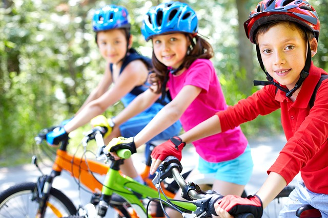 les enfants en vacances avec des activités programmées
